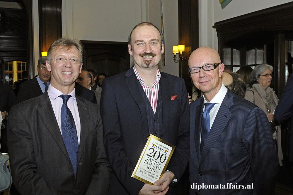 412 H.E. Chris Hoornaert Ambassador of Belgium
