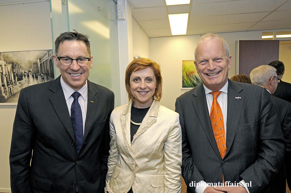 photo 3 Ambassador of Australia Bret Mason, Ambassador of Albania Ms. Adia Sakiqi, Mayor Jan Hoekema