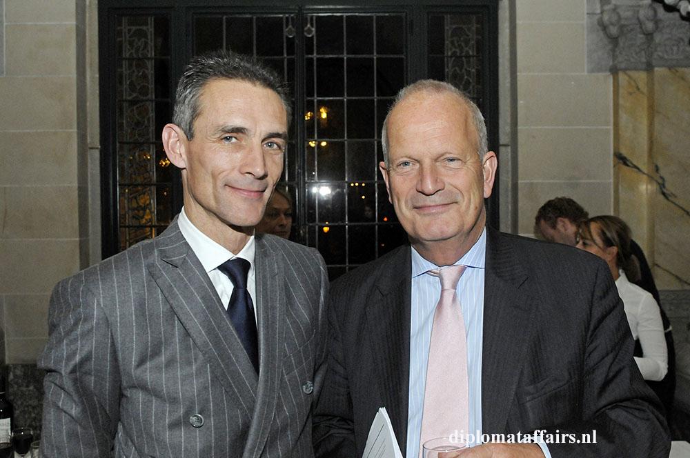 78.jpg H.E. Philippe Lalliot Ambassador of France - Mayor Jan Hoekema