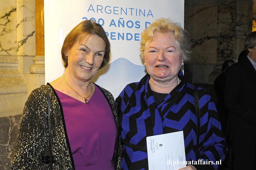 99.jpg Left Mrs. Jane Berger de Salvador - Peace Palace