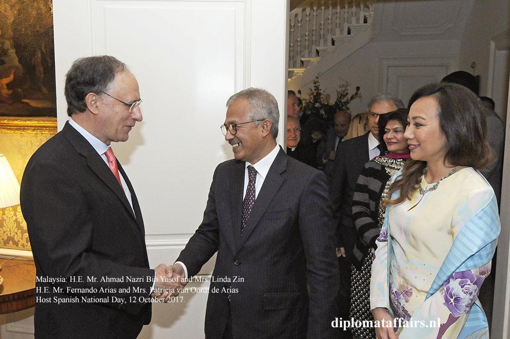 06 H.E. Mr. Ahmad Nazri Bin Yusof and Mrs. Linda Zin