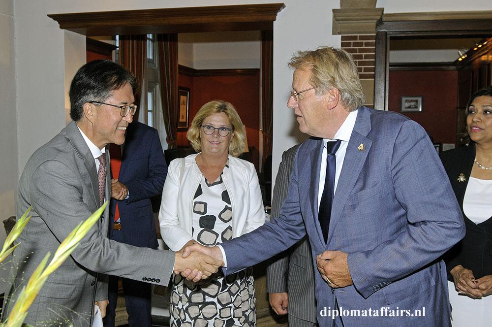 Dutch society welcomes new Ambassadors at Diplomat Club Wassenaar