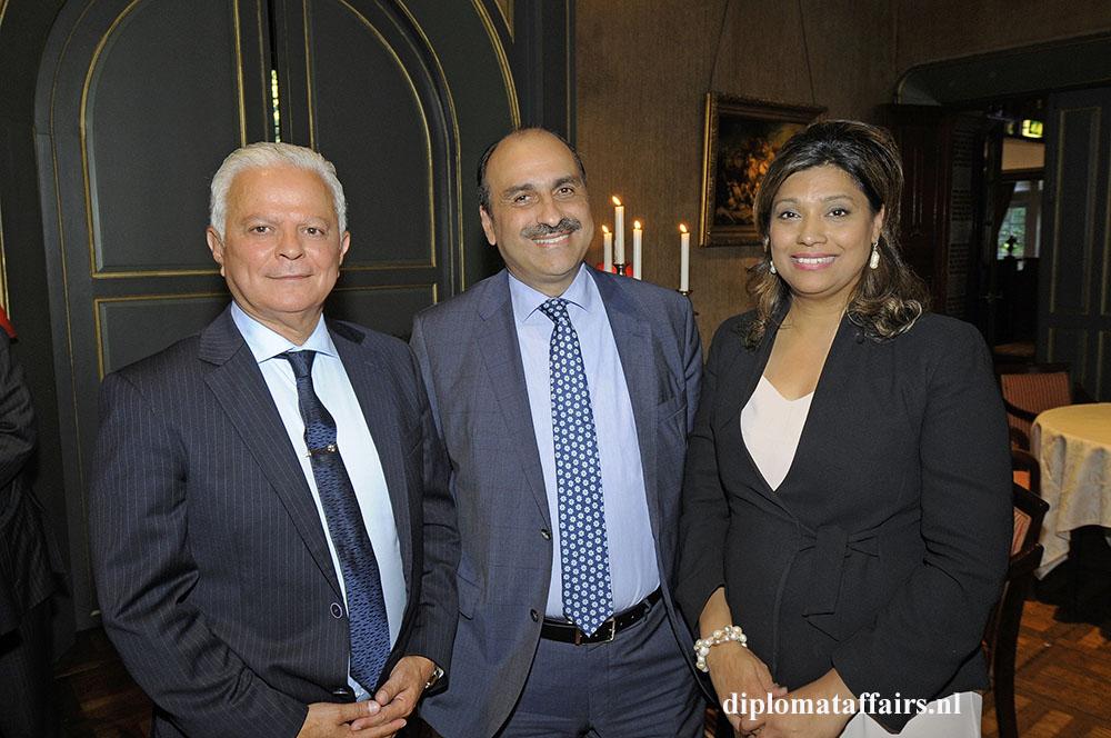 1411.jpg H.E. Ahmad Mufleh, H.E. Karim Ben Bécher, Mrs. Shida Bliek Diplomat Club Wassenaar