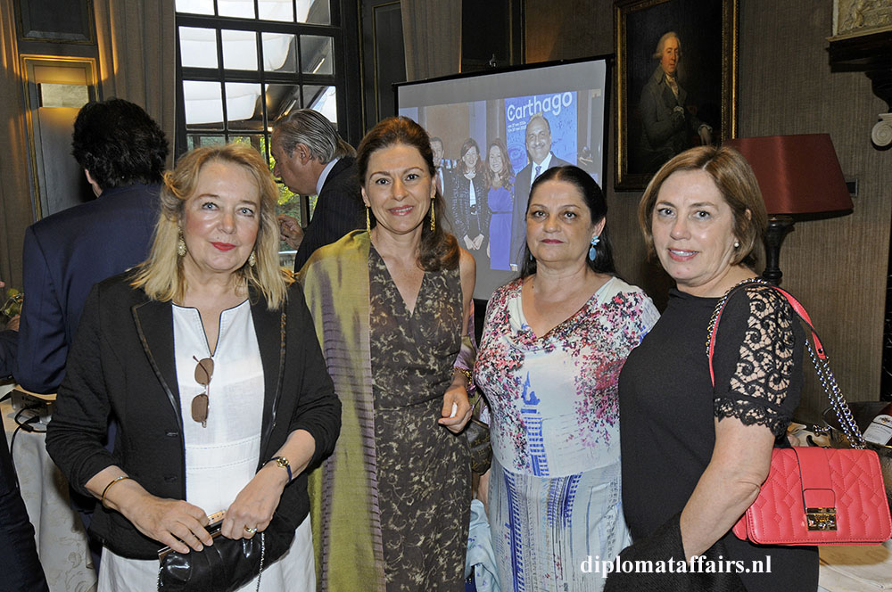 1424.jpg left Barbara couwenbergh Diplomat Club Wassenaar