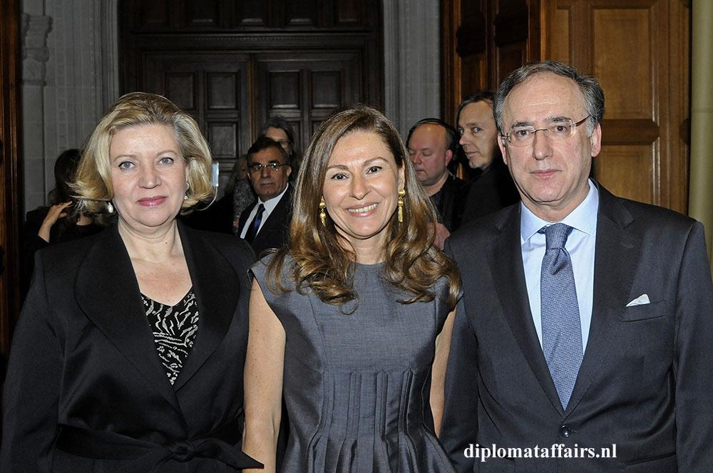 Mrs. patricia van Oordt De Arias, Mrs. Rym Ben Becher, H.E. Fernando Arias