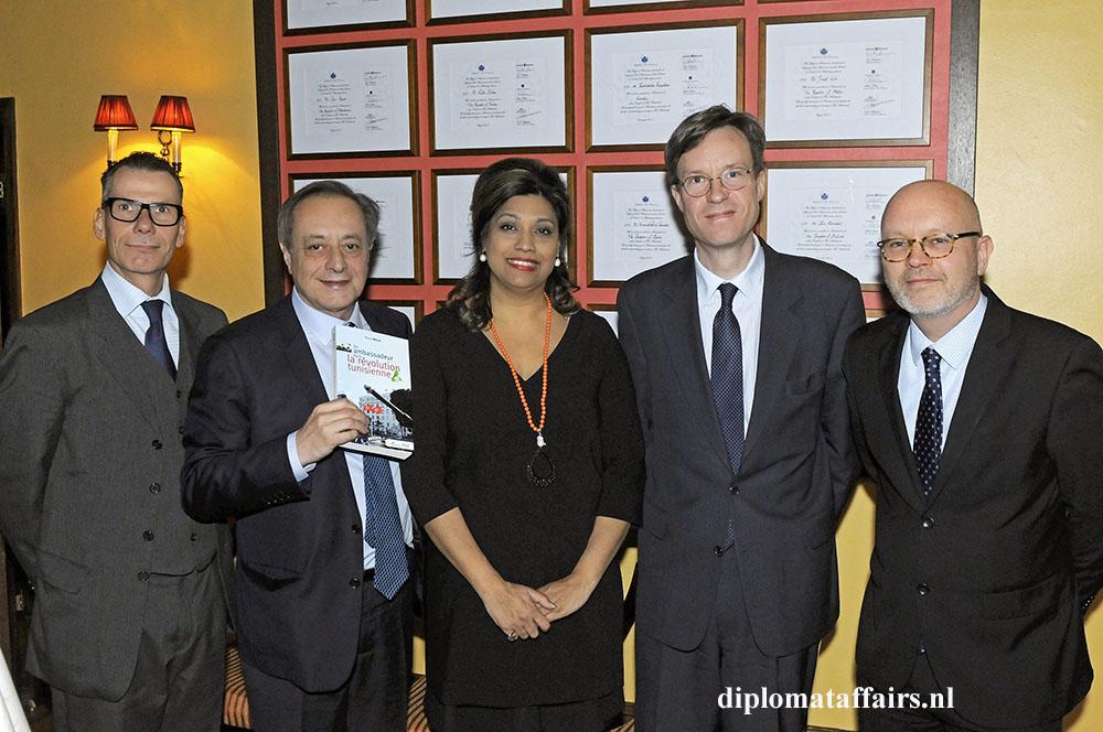 292.jpg Martin Beyer, H.E. Pierre Ménat, Shida Bliek, Xavier Rey, Richard Schreurs