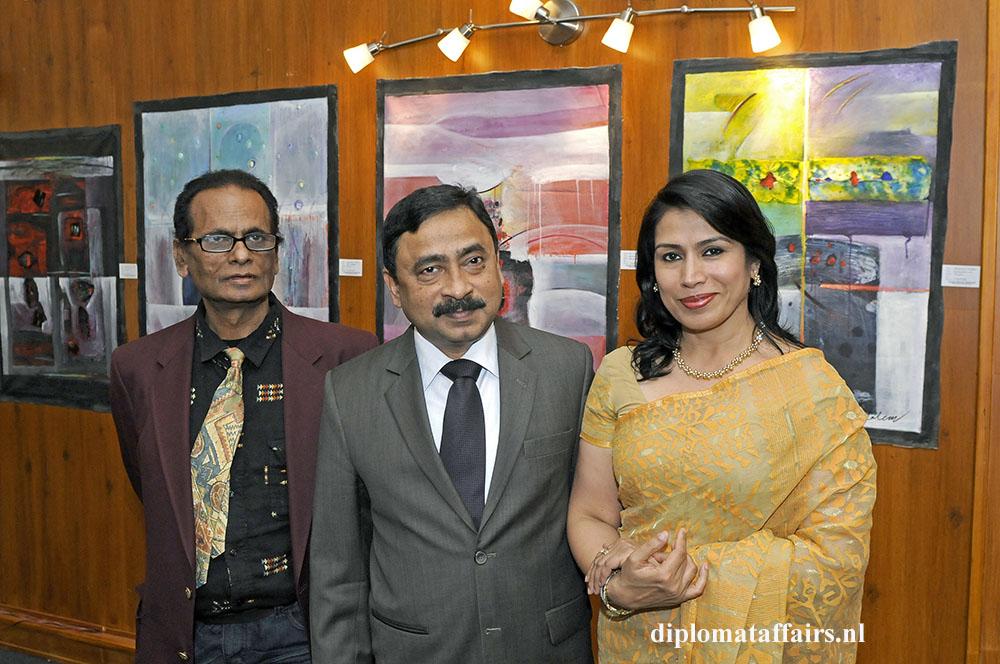 751.jpg Mr Khursid Alam Saleem, H.E. Sheikh Mohammed Belal, Dr. Nasrin Dilruba