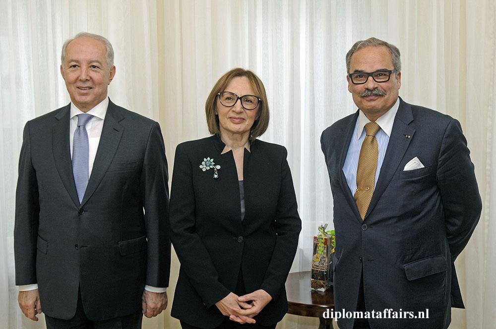 843.jpg right Ambassador José De Bouza Serrano