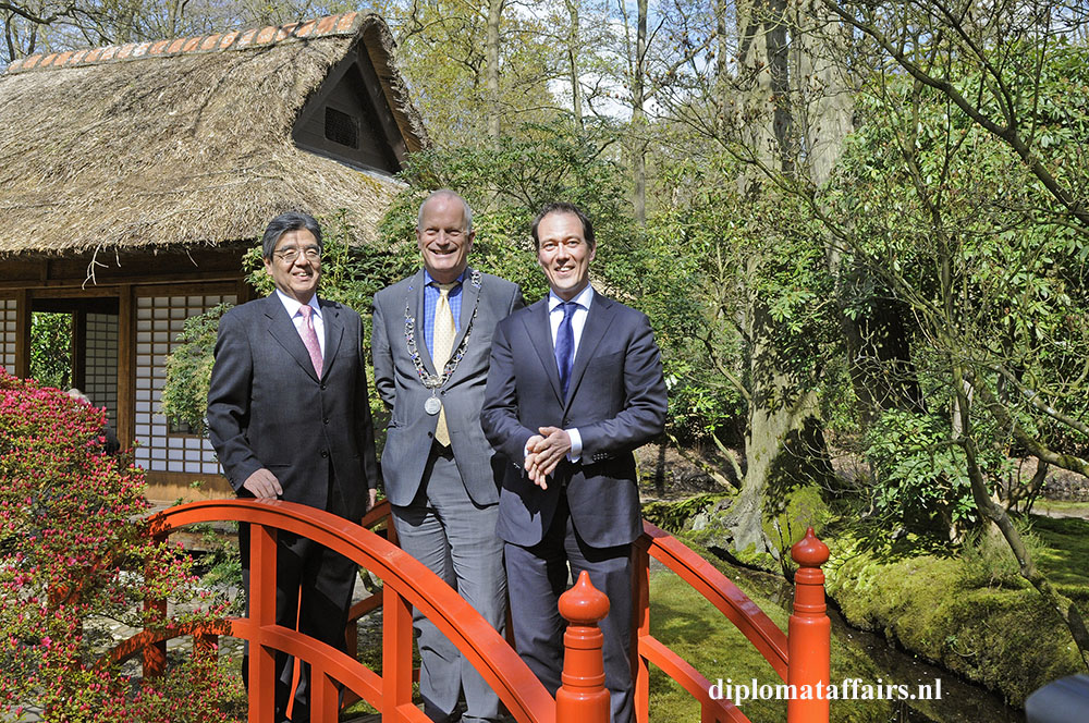 photo 1 Ambassador of Japan H.E. Hiroshi Inomata, Mayor Jan Hoekema, Alderman Boudewijn Revis