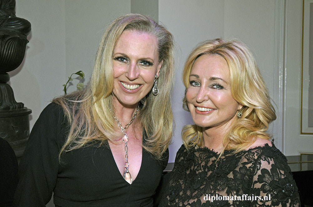 434.jpg Fashion designer Monique Collignon, Ambassador MC Erasmus Thorax Foundation Lisette Goedvolk