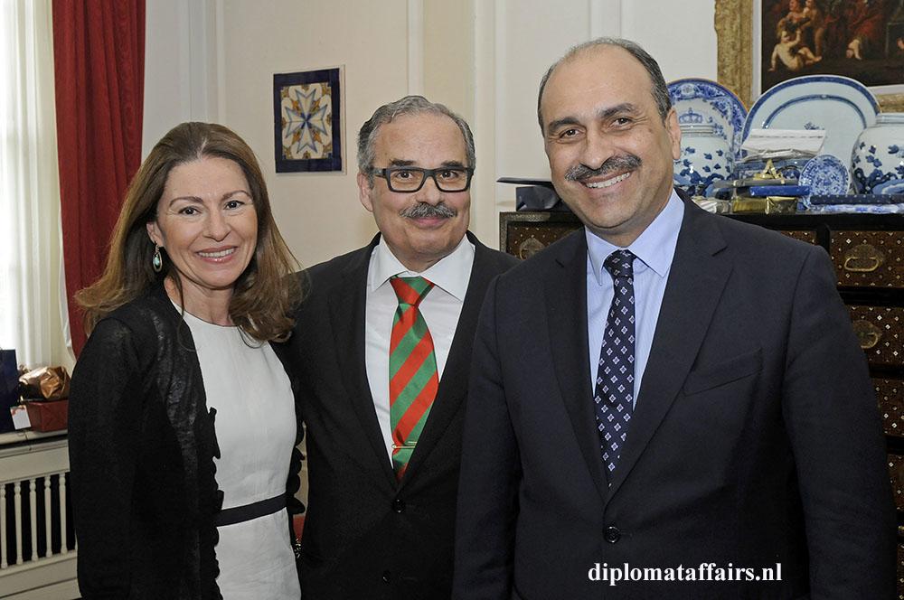 936.jpg Mrs. Rym Ben Becher - H.E. José de Bouza Serrano - H.E. Karim Ben Becher