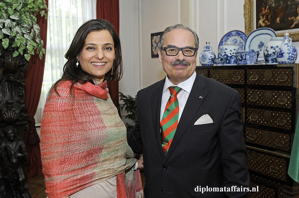 952.jpg Ms. Abir Ali chargé d'affaires Lebanon