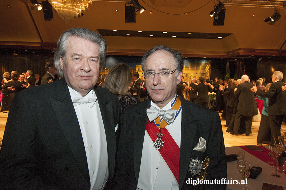 photo 9 Peter Bliek Chairman TenRande Foundation, Ambassador of Spain Fernando Arias, SOS Childeren's Village, Wiener Ball 2016 The Netherlands