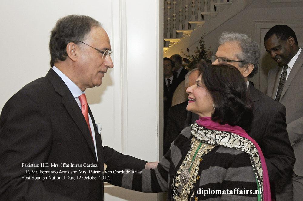 12 H.E. Fernando Arias H.E. Mrs. Iffat Imran Gardezi
