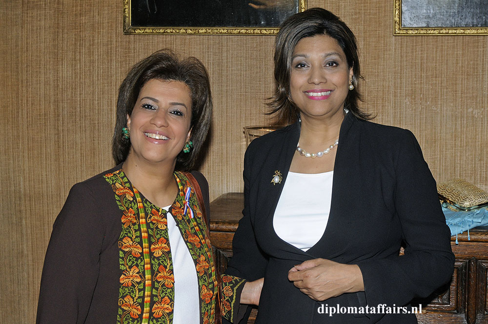 1475.jpg-H.E.-Mrs.-Rawan-Sulaiman-and-Mrs.-Shida-Bliek