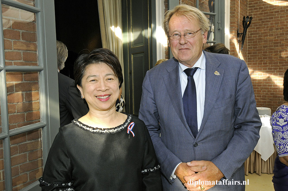 4-Ambassador-of-Thailand-H.E.-Ms.-Pornprapai-Ganjanarintr-Mr.-Jaap-Smit