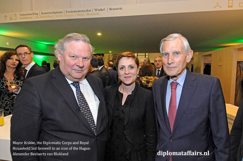 13.jpg Mr. Steven van Hoogstraten, H.E. Adia Saqiki, H.E. Ben Bot Chairman of Carnegie Foundation