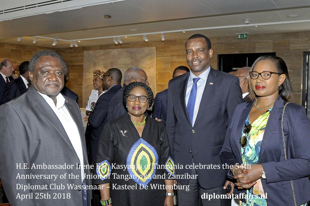 16.jpg Ambassador of Rwanda H.E. Ambassador Jean Pierre Karabaranga and Ms. Viviane Mironko Uwicyeza.