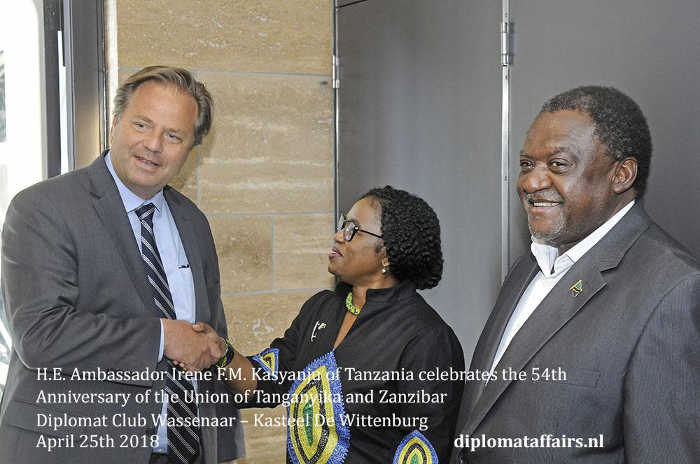 3.jpg Mr. Eric van Zuthem Diplomat Club Wassenaar