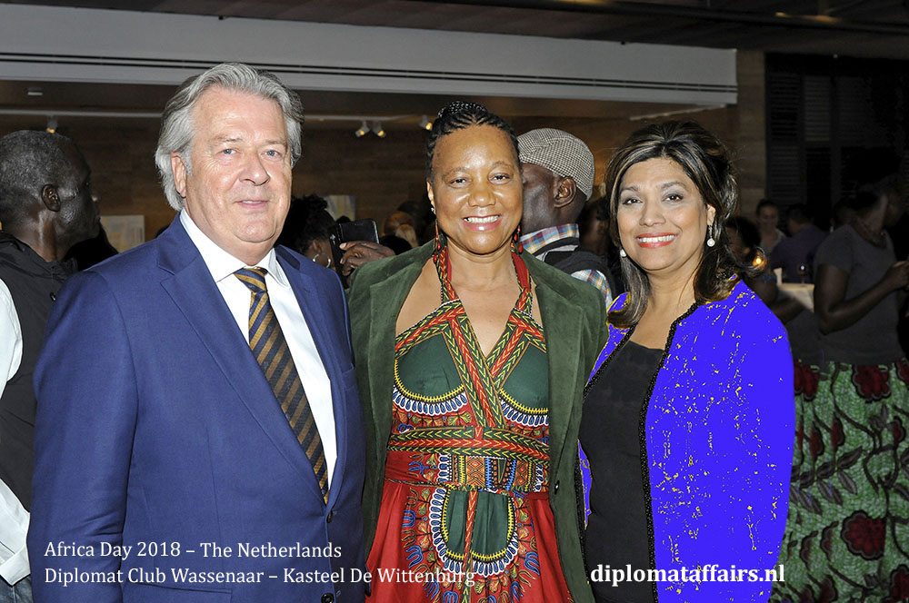 12.jpg Mr. Peter Bliek, Mrs. Ntokoza Kolane (South Africa), Mrs. Shida Bliek diplomataffairs.nl