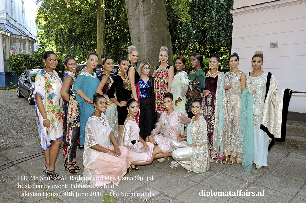 25a.jpg Designer Ms. Maryam Khalid and models - Pakistan House the Netherlnands
