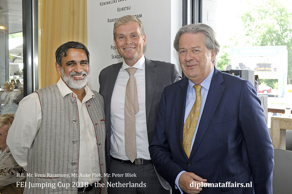 3.jpg H.E. Mr. Venu Rajamony, Mr. Auke Piek, Mr. Peter Bliek Tenrande foundation diplomat Club Wassenaar