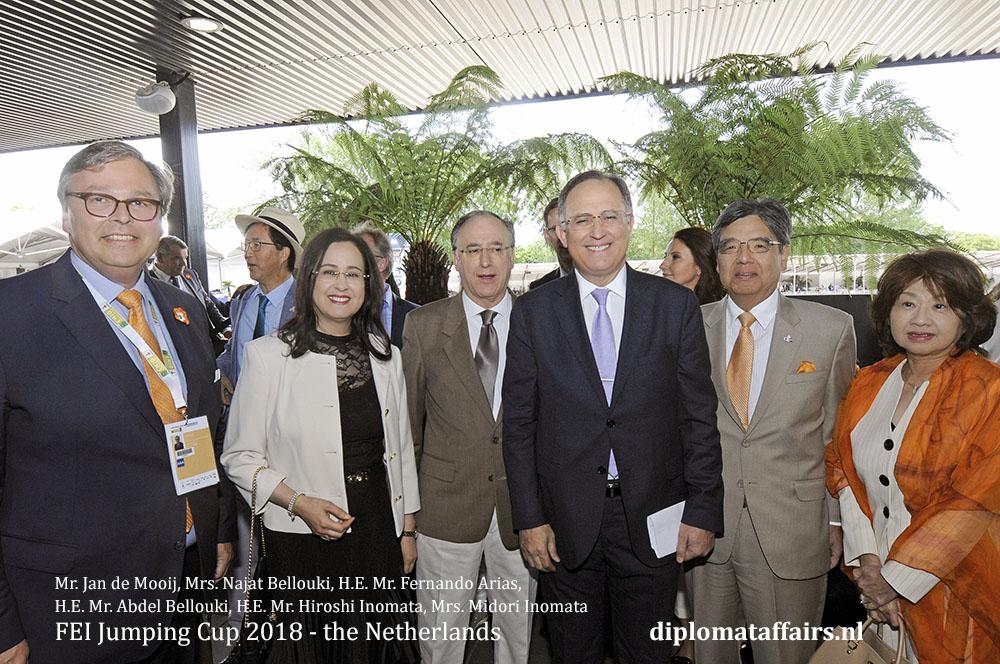 5.jpg Mr. Jan de Mooij, Mrs. Najat Bellouki, H.E. Mr. Fernando Arias, H.E. Mr. Abdel Bellouki, H.E. Mr. Hiroshi Inomata, Mrs. Midori Inomata diplomataffairs.nl