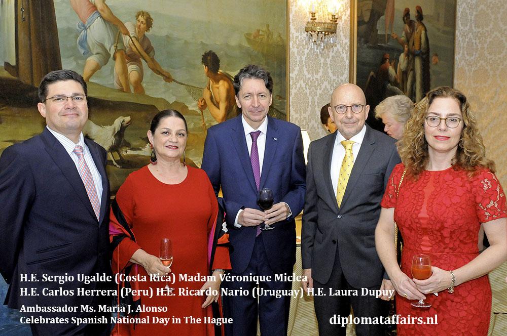 10. jpg H.E. Sergio Ugalde, Madam Véronique Miclea, H.E. Carlos Herrera, H.E. Ricardo Nario, H.E. Laura Dupuy Diplomat Affairs Magazine