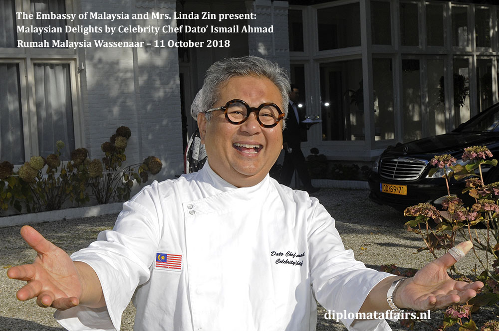1A. Malaysian Delights Chef Dato' Ismail Ahmad, Mrs Linda Zin Diplomat Affairs Magazine