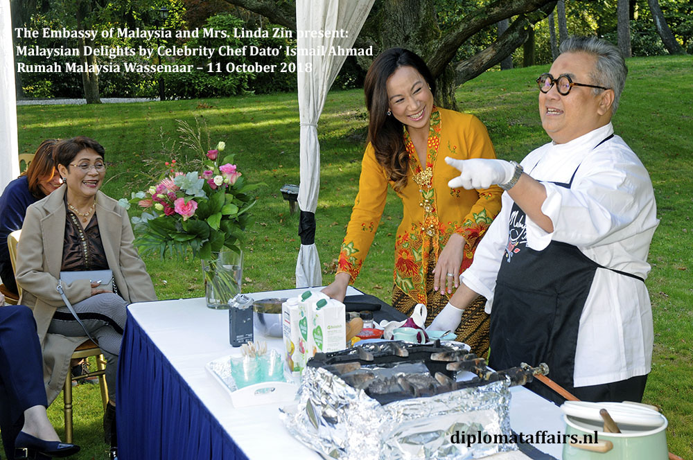 3. Malaysian Delights Chef Dato' Ismail Ahmad, Mrs Linda Zin Diplomat Affairs Magazine