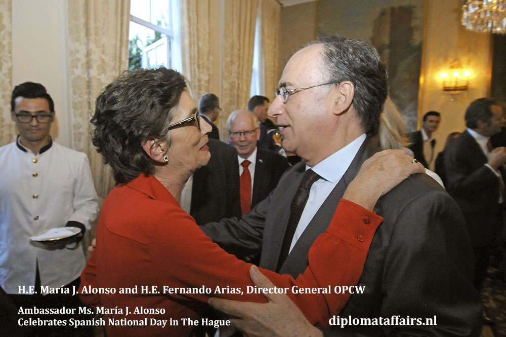 3. Spanish National Day 2018. H.E. María J. Alonso, H.E. Fernando Arias, Director General OPCW Diplomat Affairs Magazine