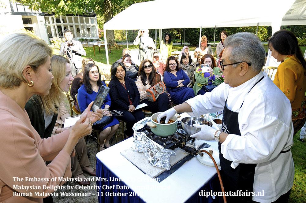 5. Malaysian Delights Chef Dato' Ismail Ahmad, Mrs Linda Zin Diplomat Affairs Magazine