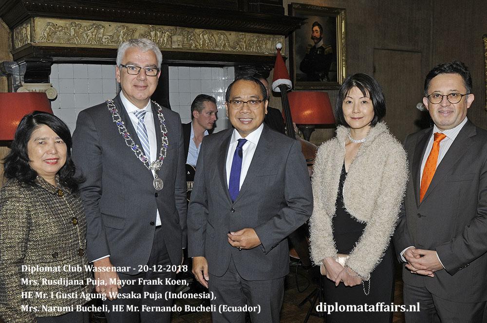 665.jpg Mrs. Rusdijana Puja, Mayor Frank Koen, HE Mr. I Gusti Agung Wesaka Puja (Indonesia), Mrs. Narumi Bucheli, HE Mr. Fernando Bucheli (Ecuador) Diplomat Affairs Magazine
