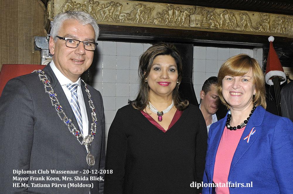 668.jpg Welcome Ceremony New Ambassadors Mayor Frank Koen, Mrs. Shida Bliek, HE Ms. Tatiana Pârvu (Moldova) Diplomat Affairs Magazine