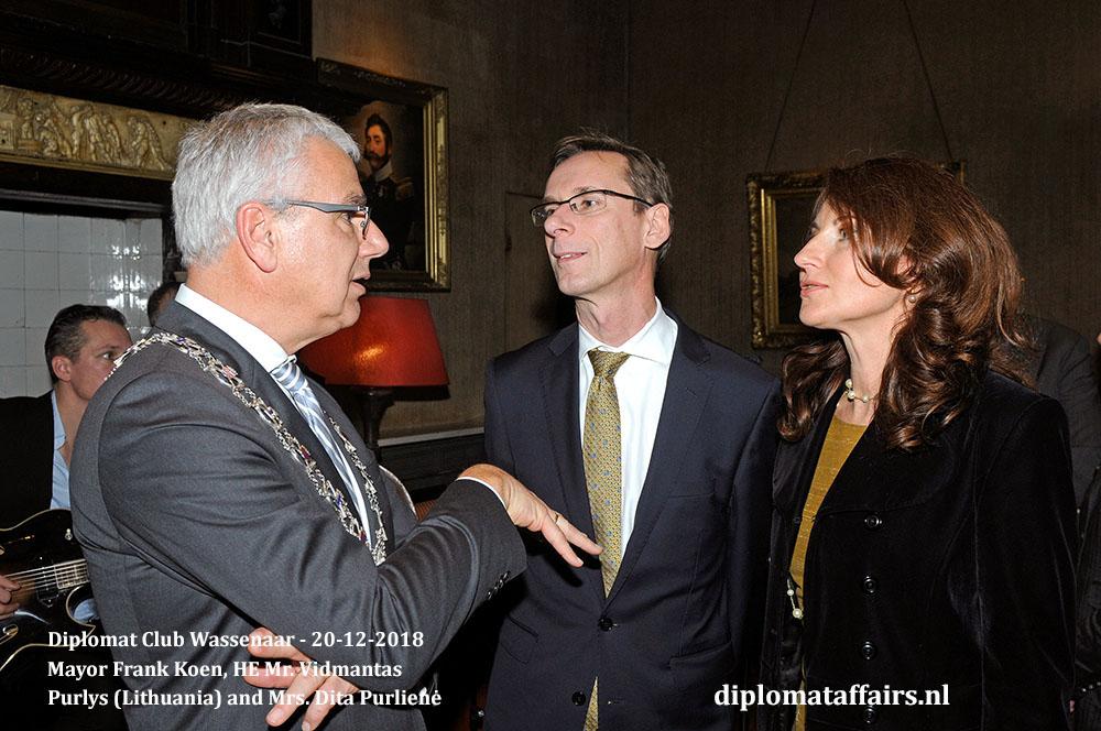 672[1].jpg Mayor Frank Koen, HE Mr. Vidmantas Purlys (Lithuania) and Mrs. Dita Purlienė Diplomat Club Wassenaar Diplomat Affairs Magazine