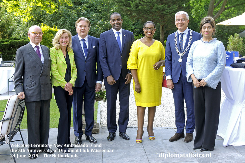 419[1].jpg HE Mr Jean Pierre Karabaranga Ambassador of Rwanda and Ms. Viviane Mironko Uwicyeza