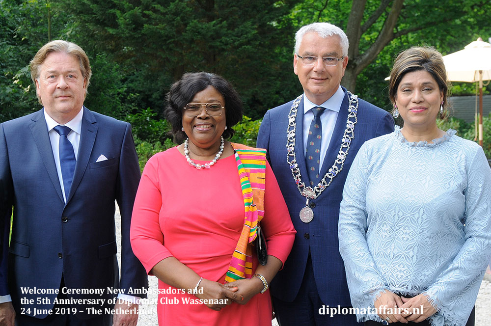 436.jpg Mr. Peter Bliek, H.E. Ms. Sophia Horner-Sam (Ghana), Mayor Frank Koen, Mrs. Shida Bliek