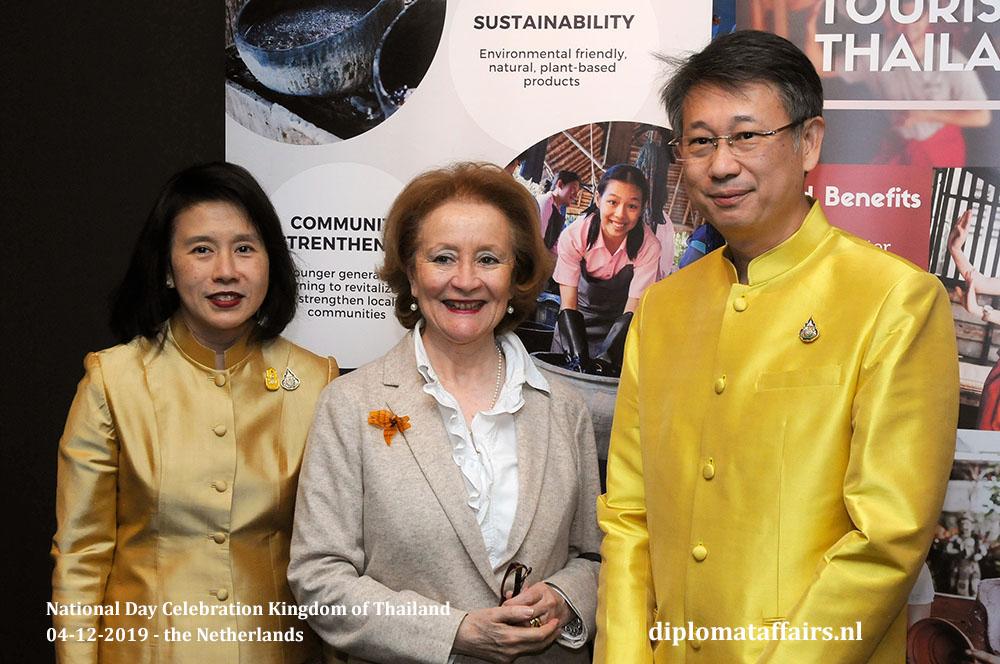 13.jpg H.E. Mrs Eksiri Pintaruchi, Ambassador of Chile H.E. Prof María Teresa Infante and Mr Thongvut Pintaruchi