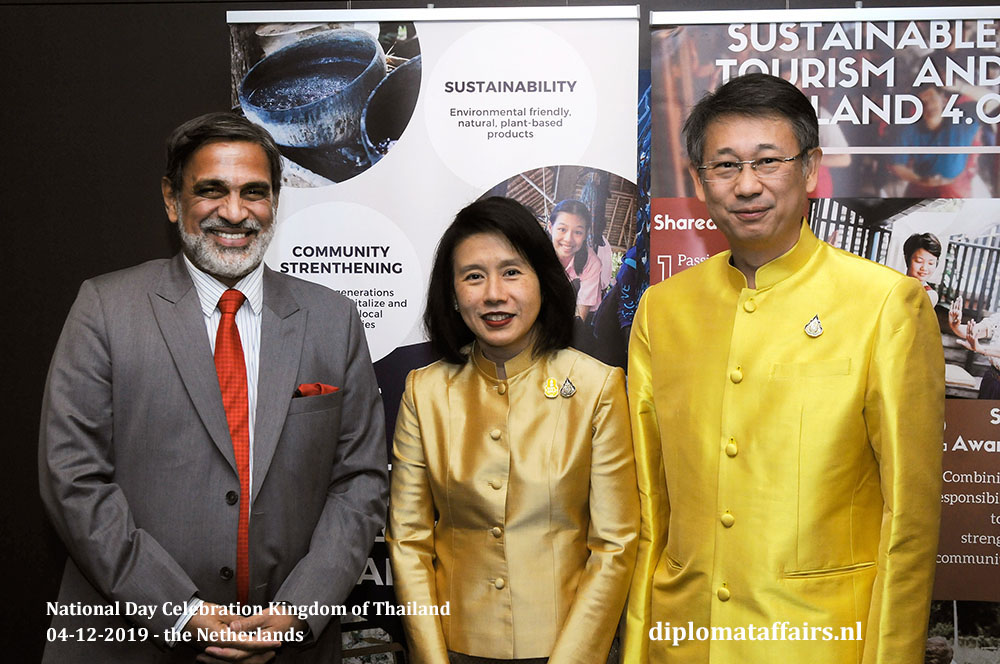 3.jpg Ambassador of India, H.E. Mr. Venu Rajamony and Ambassador of Thailand, H.E. Mrs Eksiri Pintaruchi and Mr Thongvut Pintaruchi