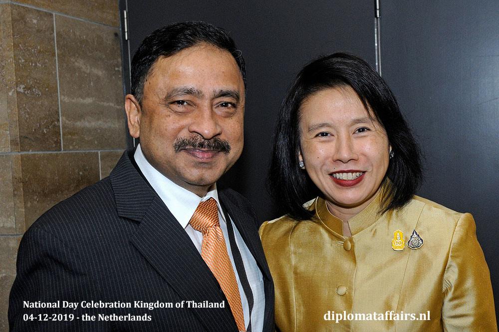 9.jpg Ambassador of Bangladesh H.E. Sheikh Mohammed Belal and Ambassador H.E. Mrs Eksiri Pintaruchi