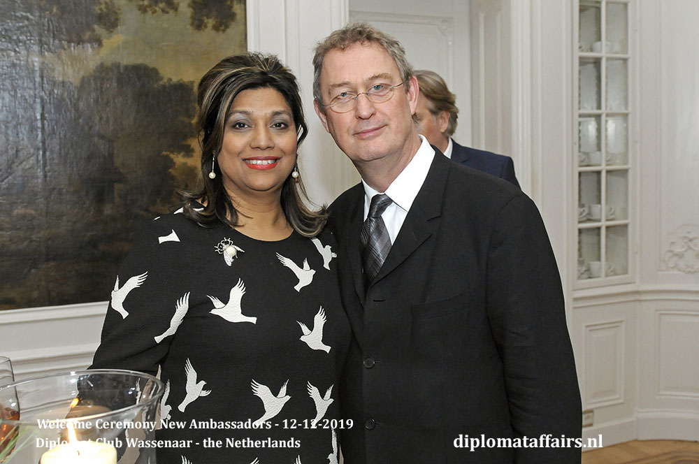 20.jpg Mrs Shida Bliek and the Director of Royal Conservatoire the Hague Mr Henk van der Meulen