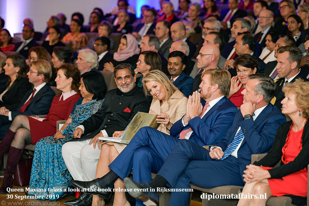 2.jpg Queen Maxima takes a look at the book release event in Rijksmuseum Diplomat Affairs magazine